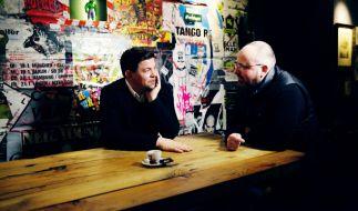 """Tim Mälzer und Christian Lohse treten bei """"Kitchen Impossible"""" gegeneinander an. (Foto)"""