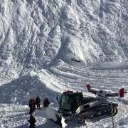 Mehrere Skifahrer von Lawine mitgerissen - Keine Toten (Foto)