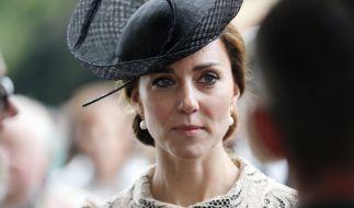 Herzogin Kate (Foto) unterstützt ihre Privatsekretärin bei ihrer Hochzeit. (Foto)