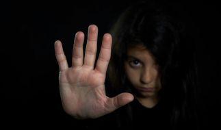 In der Nähe von Glauchau vergewaltigte ein Reitlehrer seine 10 Jahre alte Schülerin. (Symbolbild) (Foto)