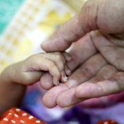 Schwanger mit 72! So sehr macht ihr die Geburt zu schaffen (Foto)