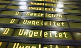 An den Berliner Flughäfen Tegel und Schönefeld fallen wegen des Verdi-Streiks fast 650 Flüge aus. (Foto)