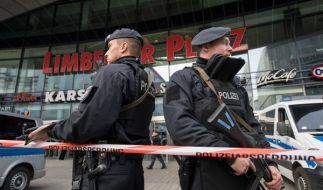 Nach einem Terrorverdacht wurde ein Einkaufszentrum in Essen am Samstag evakuiert. (Foto)