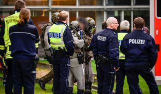 Ein 27-Jähriger verletzte in Gütersloh zwei Menschen mit einem Messer und verschanzte sich anschließend im Büro. (Foto)