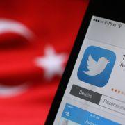 Erdogan-Fans mit Nazi-Tweets auf Profilen von Boris Becker und Co. (Foto)