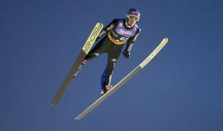 Die deutschen Skiflieger um Andreas Wellinger wollen im Teamfliegen angreifen. (Foto)