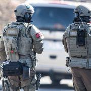 Polizeieinsatz beendet! Täter nach Sparkassenüberfall verschwunden (Foto)