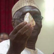 Pastor findet 706-Karat-Diamanten - DAS macht er nun damit (Foto)