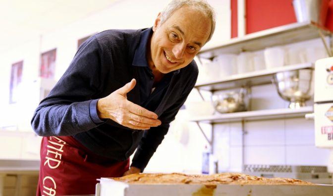 Spitzenkoch Christian Rach nimmt das Wiener Café in Krefeld kritisch unter die Lupe.
