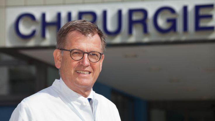 Prof. Tim Pohlemann, Direktor der Klinik für Unfall-, Hand- und Wiederherstellungschirurgie des Universitätsklinikum des Saarlandes.