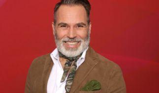 """Frank Matthee alias """"Froonck"""" hat sich als Weddingplanner bei Vox in """"4 Hochzeiten und eine Traumreise"""" den Ruf als Mann für Romantik erarbeitet. (Foto)"""