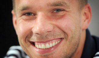 Lukas Podolski gehört zum Aufgebot für die Testpartie der Fußball-Nationalmannschaft gegen England, das am Mittwoch in Dortmund ausgetragen wird. (Foto)