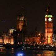 In der Nähe des Londoner Parlaments sind am Mittwoch Schüsse gefallen. Mehrere Menschen wurden verletzt.
