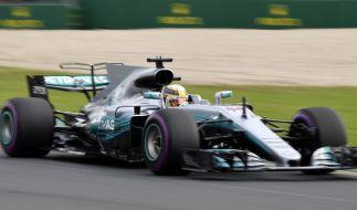 Formel 1 - Grand Prix von Australien am 24.03.2017 in Melbourne (Australien). Der britische Mercedes-Pilot Lewis Hamilton fährt während des zweiten Trainings. (Foto)
