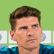 Mario Gomez steht seit August 2016 beim VfB Stuttgart unter Vertrag.