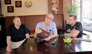 """Christian Rach (Mitte) will das """"Pizzastübchen"""" von Jan und Sascha wieder auf Vordermann bringen. (Foto)"""
