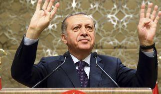 Recep Tayyip Erdogan soll in Deutschland lebende Türken ausspioniert haben. (Foto)