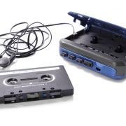Die Lieblingsmusik immer und überall dabei haben - Walkman, Discman, MP3-Player und heutzutage das Smartphone machen es möglich.