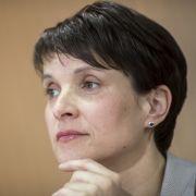 Umfrage-Tief! Verlässt die AfD-Chefin das sinkende Schiff? (Foto)