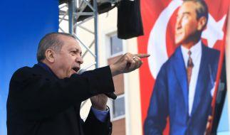 Immer wieder beschimpft Recep Tayyip Erdogan Europa als Nazis. (Foto)