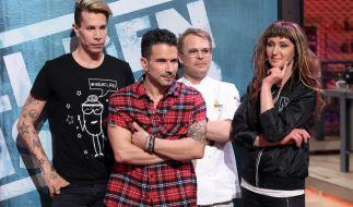 Florian Wess, Marc Terenzi und Hanka Rackwitz (von links) erhalten von Koch-Coach Mario Kotaska Unterstützung. (Foto)