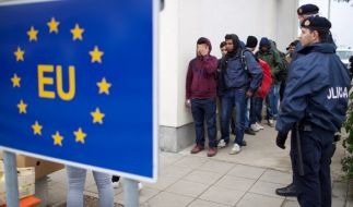 Laut einem türkischen Politiker könnte Präsident Erdogan bis zu drei Millionen Flüchtlinge auf den Weg nach Europa schicken (Symbolbild). (Foto)
