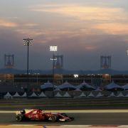 Sebastian Vettel verweist Lewis Hamilton auf den 2. Platz (Foto)