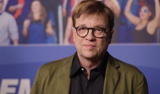 Seit 1991 kommentiert Béla Réthy (64) Fußballspiele für das ZDF. (Foto)