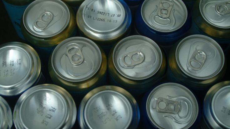 In Liverpool hat ein Bierhersteller Dosen an Obdachlose verteilt.