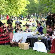 Viktorianisches Picknick beim Wave-Gotik-Treffen