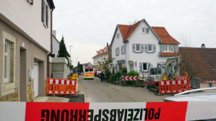 Das Haus der Familie wurde von der Polizei weiträumig abgesperrt.