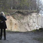 Tod durch Selfie? Touristin stürzt 60 Meter von Steilküste (Foto)