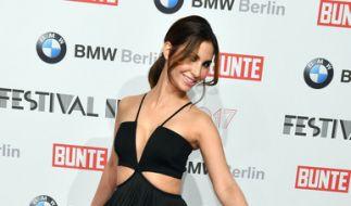 """Sila Sahin bei der Festival Night von """"Bunte"""" und BMW im Rahmen der 67. Internationalen Filmfestspiele in Berlin im Februar 2017. (Foto)"""