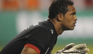 Der brasilianische Torwart Bruno Fernandes de Souza muss nach einer vorzeitigen Haftentlassung auf Bewährung nun doch wieder ins Gefängnis. (Foto)