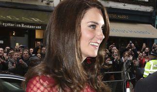 Herzogin Kate macht - anders als die restlichen Mitglieder der britischen Königsfamilie - einen großen Bogen um Pferde. (Foto)