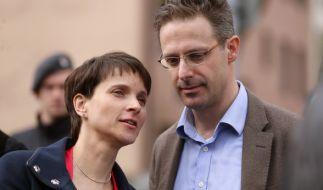 Frauke Petry wurde abgewatscht - Ehemann Pretzell hat in NRW einen schweren Stand. (Foto)