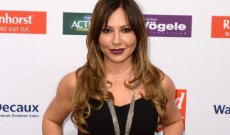 Simone Thomalla kennt man ausschließlich topgestylt auf dem roten Teppich - doch ihr aktueller Look verwirrt ihre Fans. (Foto)