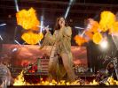 """Andrea Berg tritt im fransigen Indianer-Dress auf ihrem Konzert """"Heimspiel"""" am 18.07.2015 in Aspach auf. (Foto)"""