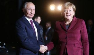 Bundeskanzlerin Angela Merkel und der russische Staatspräsident Wladimir Putin vor dem Ukraine-Gipfel am 19. Oktober 2016 in Berlin. (Foto)