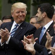 "Trump feiert Teilsieg gegen ""Obamacare"" (Foto)"