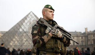 Ein Bereich am Pariser Louvre-Museum wurde abgesperrt. (Foto)
