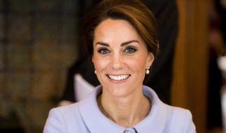 Herzogin Kate bekommt, schenkt man Klatschmagazinen Glauben, von Prinz Harrys Freundin Meghan Markle ernsthafte Konkurrenz als Liebling im britischen Königshaus. (Foto)