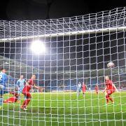 Duisburg und Holstein Kiel lassen Aufstiegstraum wahr werden (Foto)