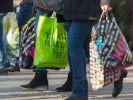 Auch an diesem Wochenende laden wieder einige Geschäfte zum Sonntagsverkauf ein. (Foto)