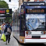 Mädchen (8) wird von Straßenbahn überrollt und stirbt (Foto)