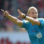 Bibiana Steinhaus pfiff in der 1. Bundesliga.