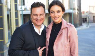 """Guido Maria Kretschmer übernimmt eine Gastrolle in der RTL-Serie """"Gute Zeiten, schlechte Zeiten"""". Dabei traf er auch auf Serien-Liebling Janina Uhse. (Foto)"""
