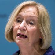 """""""Rote Karte"""" für Johanna Wanka? - AfD zerrt Bildungsministerin vor Gericht (Foto)"""