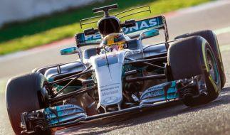Lewis Hamilton von Mercedes AMG am 1. März bei den Testfahrten vor der neuen Saison der Formel 1 auf der Rennstrecke Circuit de Barcelona-Catalunya in der Nähe von Barcelona. (Foto)