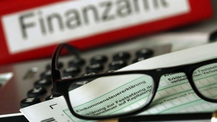 Die Abgabefrist für die Steuererklärung zu verlängern, ist gar nicht so schwer - wenn man einiges beachtet. (Foto)